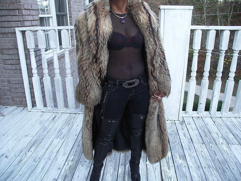 Designer Full Length Revillon Saks Finnish Raccoon Fur Coat jacket  M 6-12