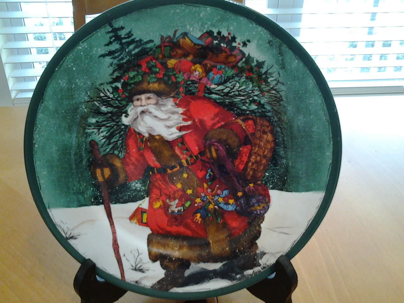 """Royal Norfolk Father Christmas, Santa Plate, 8.25"""" jewel colors*"""