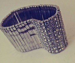 VINTAGE SILVER TONE AND RHINESTONE STRETCH BRACELET PERFECT FOR THE NEW ... - $9.70