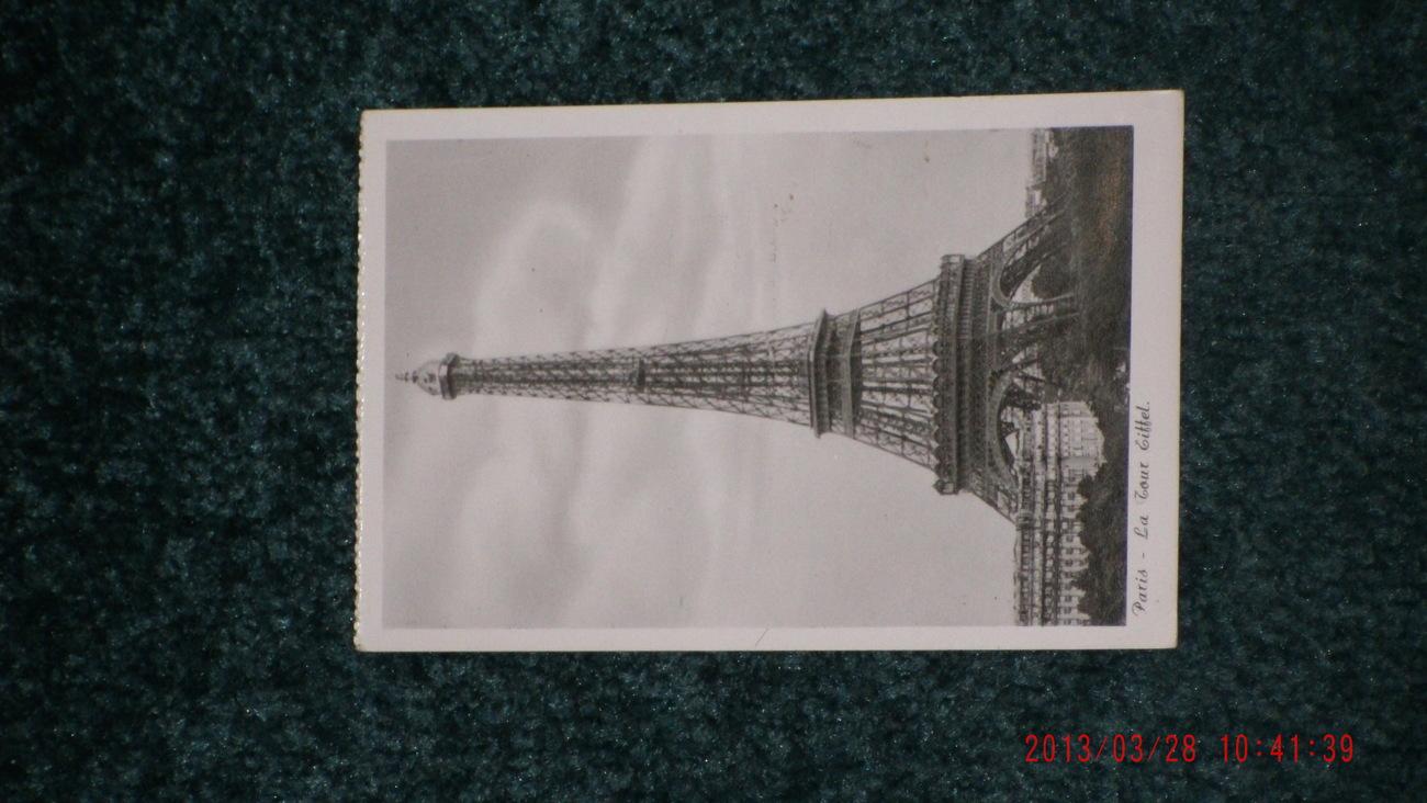 Real Photo postcard PARIS _ La Tour Eiffel        900 FT Tower    France    B+W