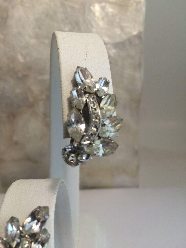 Vintage Weiss Rhinestone Clip Earrings Ice Navette Round Silvertone