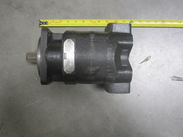 PARKER COMMERCIAL 323-9210-092 HYDRAULIC PUMP image 1