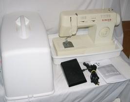 Singer Merritt 3314 Sewing Machine Hard Case & Pedal Zig Zag Clean / Wor... - $46.55