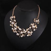 Match-Right Vintage Simulated Pearl Leaves Theme Necklace for Women image 3