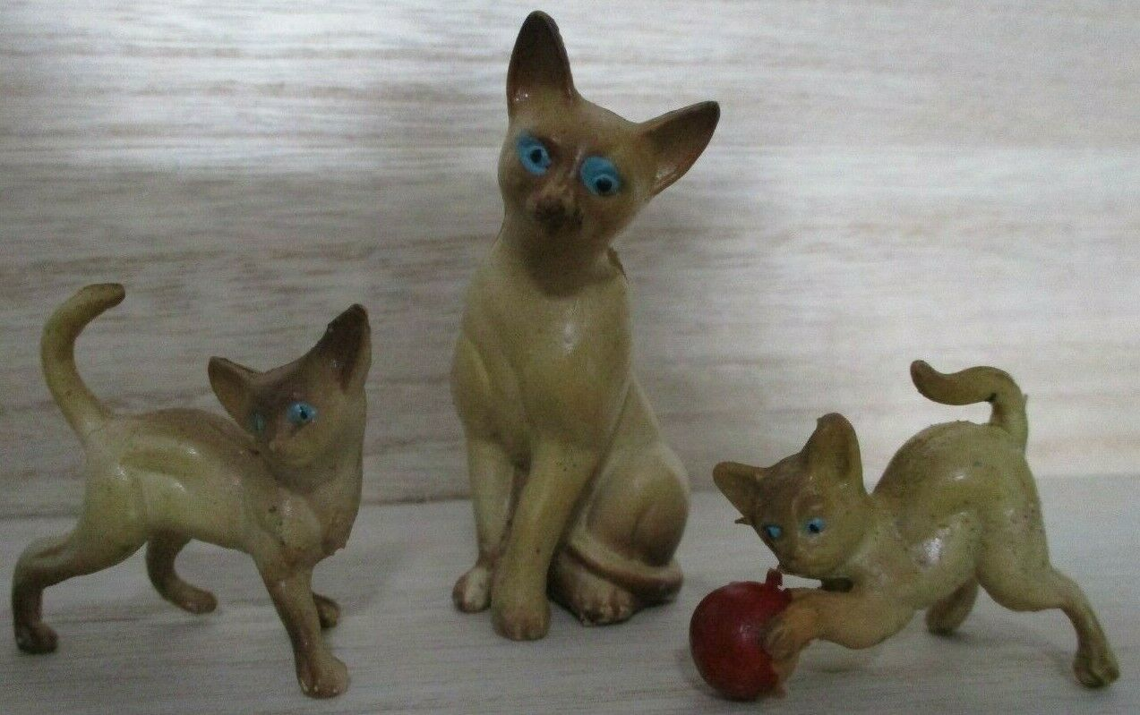 Primary image for Vintage Cat & Kittens Plastic Resin Miniature Siamese Hong Kong Collectibles