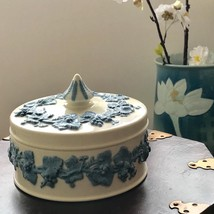 Wedgwood of Etruria & Barlaston Embossed Queens Ware Powder Trinket Box - $24.74