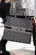 NEW AUTH CHRISTIAN DIOR 2019 CD Logo OBLIQUE BOOK TOTE BAG LIMITED RUNWAY  image 9