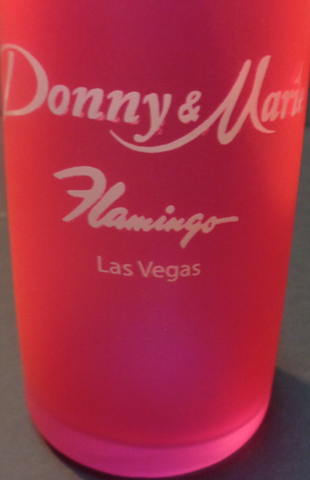 Donny & Marie Pink Curve Vegas Glass 16 OZ Entertainers