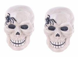 Blue Sky Halloween Skull Salt and Pepper Shakers - $438,43 MXN