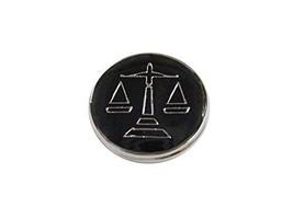Kiola Designs Black Scale of Justice Magnet - €17,69 EUR