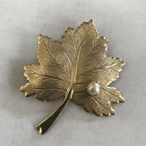 Vintage Sarah Coventry Signed Large Goldtone Leaf With Faux Pearl J0564 - $9.49