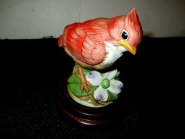 PORCELAIN BABY CARDINAL FIGURINE BY ANDREA BY SADEK #6350 on Wooden Base - £7.71 GBP