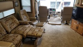 2006 Winnebago Itasca Suncruser FOR SALE IN Plainwell, MI 49080 image 4