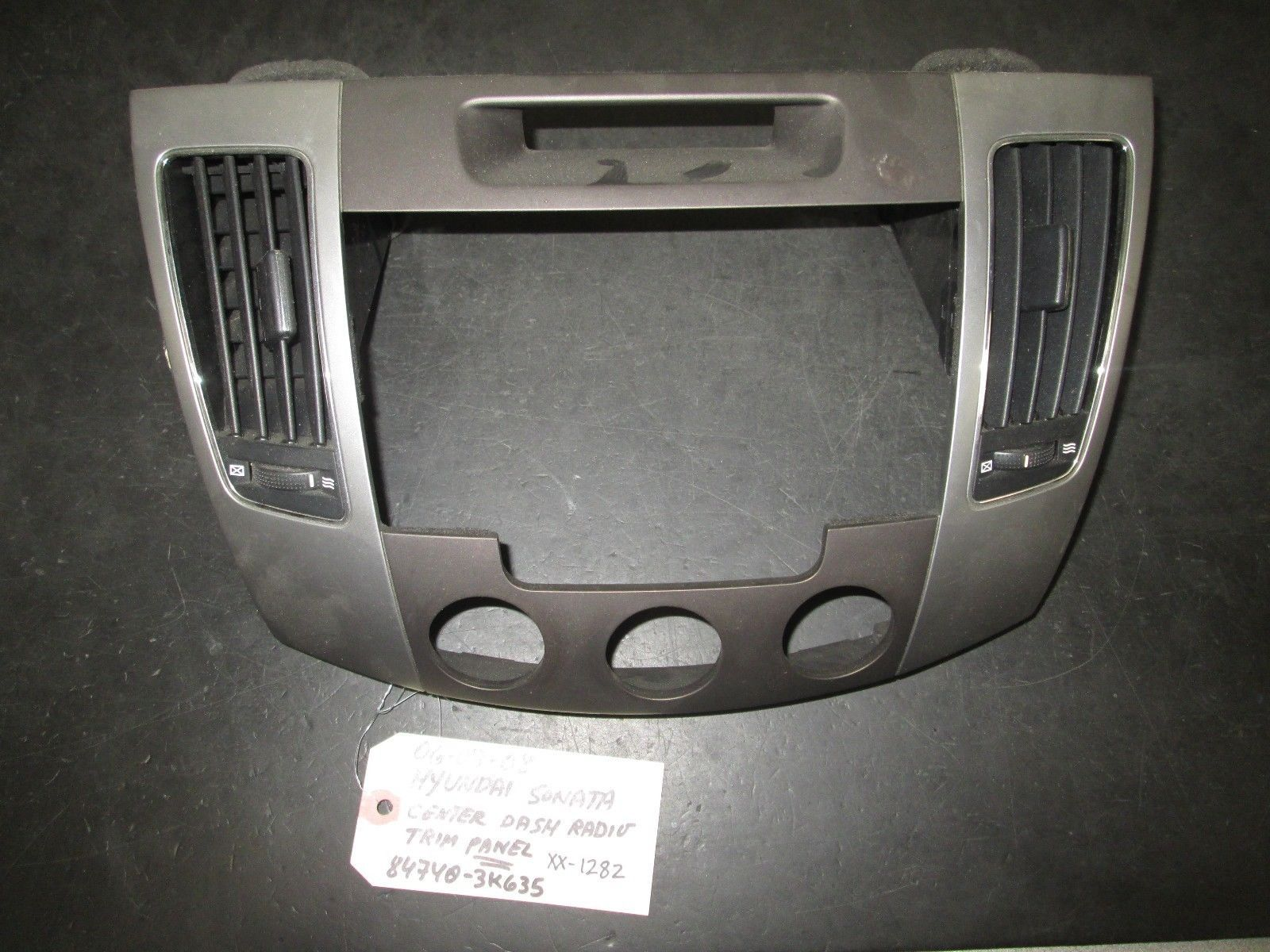 Primary image for 06 07 08 HYUNDAI SONATA CENTER DASH RADIO TRIM PANEL #84740-3K635