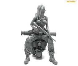 Miniature 1/35 Modern Army Seal Assault Female Soldier Resin Model Figur... - $28.59