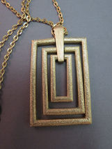 Couture Sarah Coventry Pendant Necklace Chain Rectangular Gold Plate Texture VTG image 3