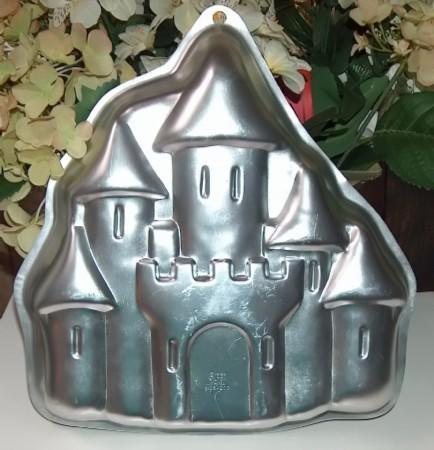 Wilton princess castle cake pan3