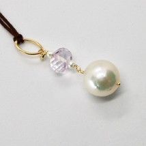 Charm 18kt Yellow Gold with White Pearl Freshwater and Amethyst Pink image 2