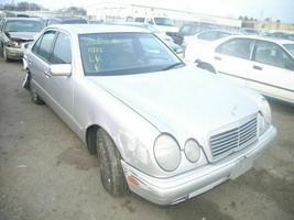 96-98 99 00 01 02 03 Mercedes E320 R. CORNER/PARK Light 126952 - $18.80