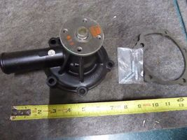 Chrysler Water Pump Remanufactured By Arrow P/N 7-6258, MD021490 image 3