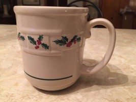 Longaberger Pottery Christmas Holly Traditional Mug great condition coff... - $11.87