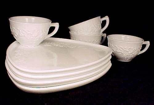 Indiana Milk Glass Snowflake 8 Piece Snack Set SmartSet Cup Plate Orange Blossom