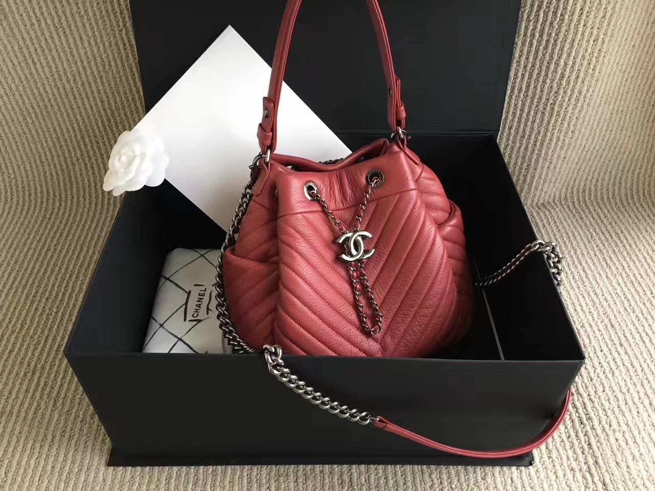 Authentic Chanel 2017 Red Chevron Chain And 50 Similar Items Img 6835