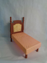 2005 Fisher Price Loving Family Dollhouse Replacement Pink / Brown Bed - $11.83