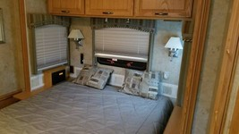 2006 Winnebago Itasca Suncruser FOR SALE IN Plainwell, MI 49080 image 11
