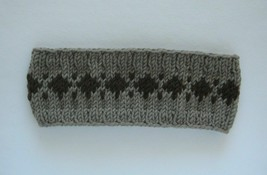 weiches Stirnband aus Merinowolle grau-beige mit braunem Volksmuster - $18.98+