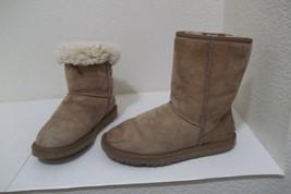 Womens Ugg Classic Short 5825 Tan Leather Sheepskin Lined Winter Boots Sz 6 - $14.99