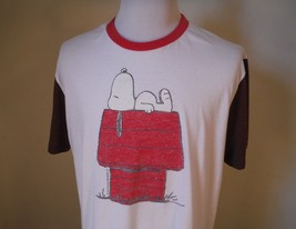 Peanuts Mens XL White/Brown/Red Snoopy Sleeping Dog House Graphic Tee T-... - $23.36