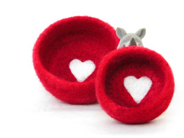 Nesting bowls /Felted bowls/Jewelry holder/wedding favor/Red vessel with... - $35.00