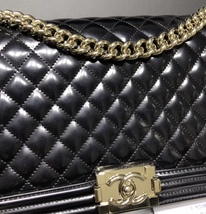 AUTHENTIC CHANEL BLACK PEARLESCENT PATENT LEATHER NEW MEDIUM BOY FLAP BAG SHW image 5