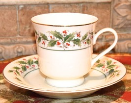 HOLLY YULE TIDE CHRISTMAS HOLIDAY TEA CUP SAUCER SET BONE CHINA GOLD GIL... - $17.99