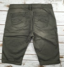 SILVER Jeans Short Buckle Mid Rise Gwen Relaxed  Olive Chino Shorts Berm... - $17.85