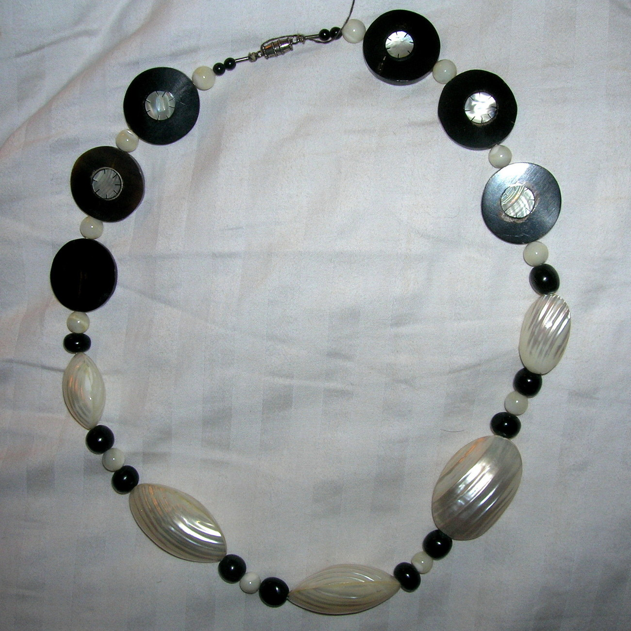 Vintage Silver Buffalo Horn Pearl Shell Inlaid Mother of Pearl Bead Necklace