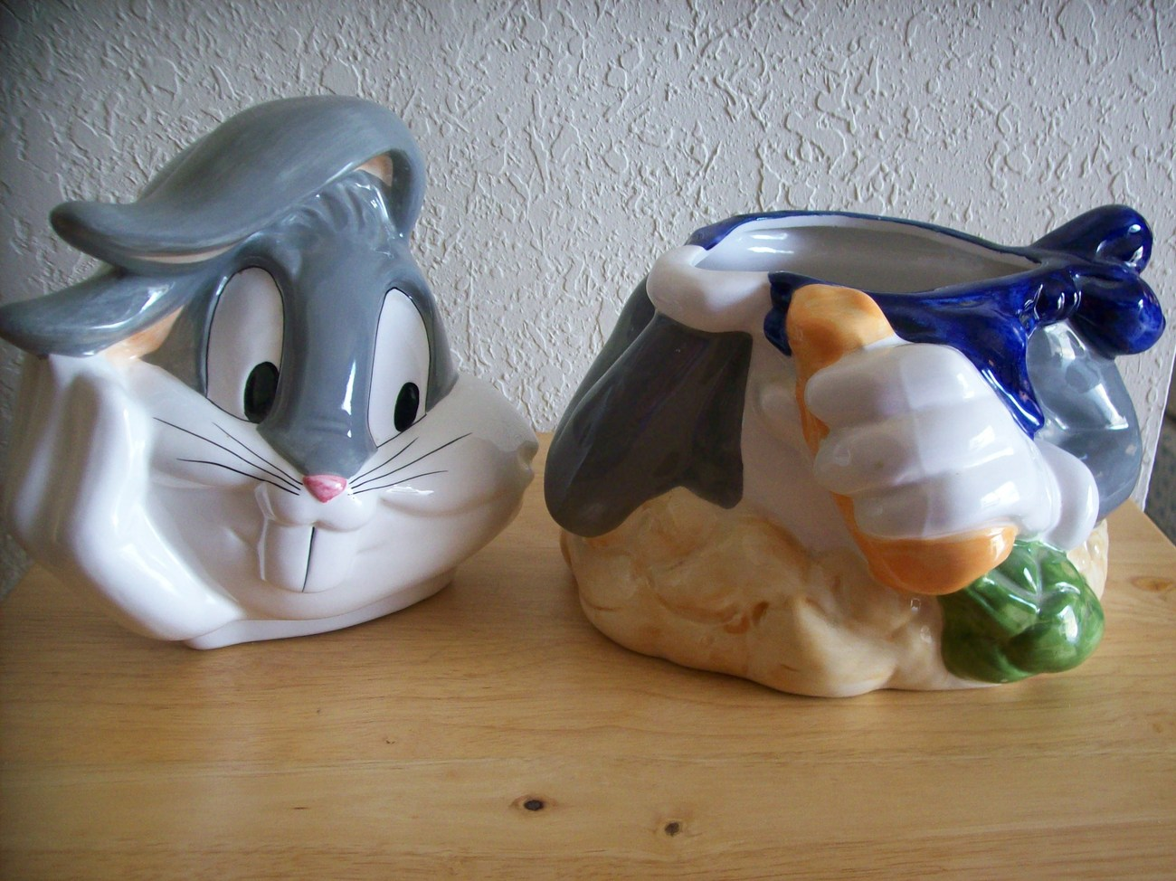 1993 Looney Tunes Bugs Bunny Cookie Jar