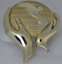 Whole World In His Hands Goldtone Brooch 2inch - $9.50