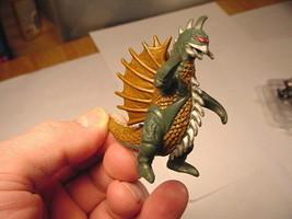 """2002 Gigan 2-3/8"""" Tall PVC Figure Godzilla Monster TOHO BanDai - $5.00"""