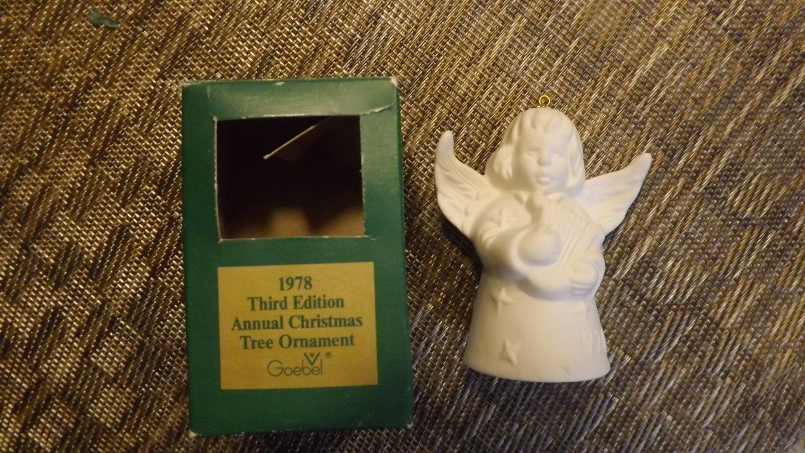 20#L   1978 Goebel Angel Bell Annual Christmas Tree Ornament In Original Box