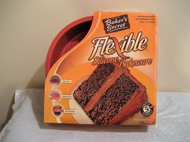 BAKERS SECRET FLEXIBLE SILICONE BAKEWARE, ROUND PAN new in box - $19.99