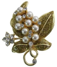 Breathtaking Gift Golden Glitter Leaf & Pearls Flowers Romantic Brooch - $10.15