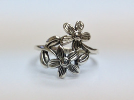Double Floral & Leaves Silver Fashion Ring, Size 6.75 - $20.00