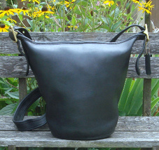 Vintage Coach Black Leather Helens Legacy Bucket Shoulder Bag  - $1.777,73 MXN