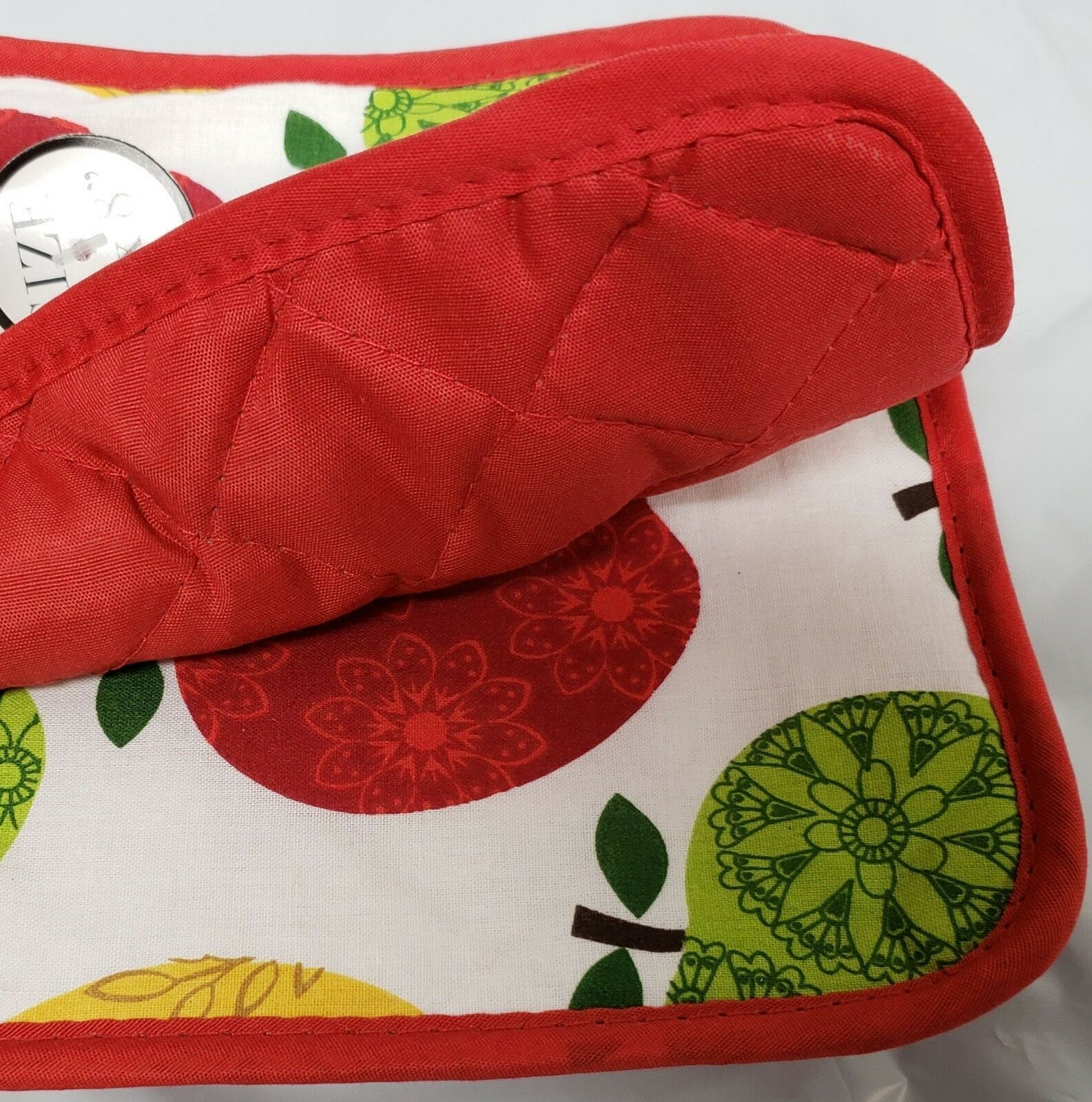 """Set of 2 Printed JUMBO Pot Holders, 7"""" x 8"""", COLORFUL APPLES, w/ red back, BH"""