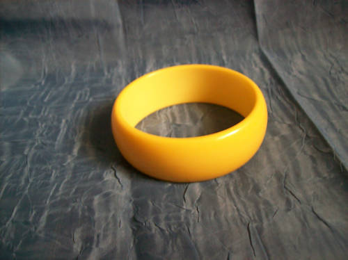 Vintage Bakelite Bangle Bracelet Cream Corn Color