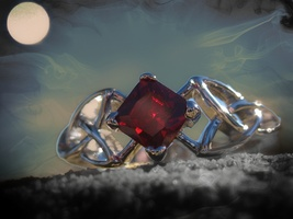 Haunted be a member of a real Vampire Clan ring of mystery and power - $111.11
