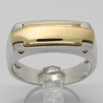 18K YELLOW & WHITE GOLD BAND MAN RING FINELY WORKED SATIN, SQUARE, MADE IN ITALY