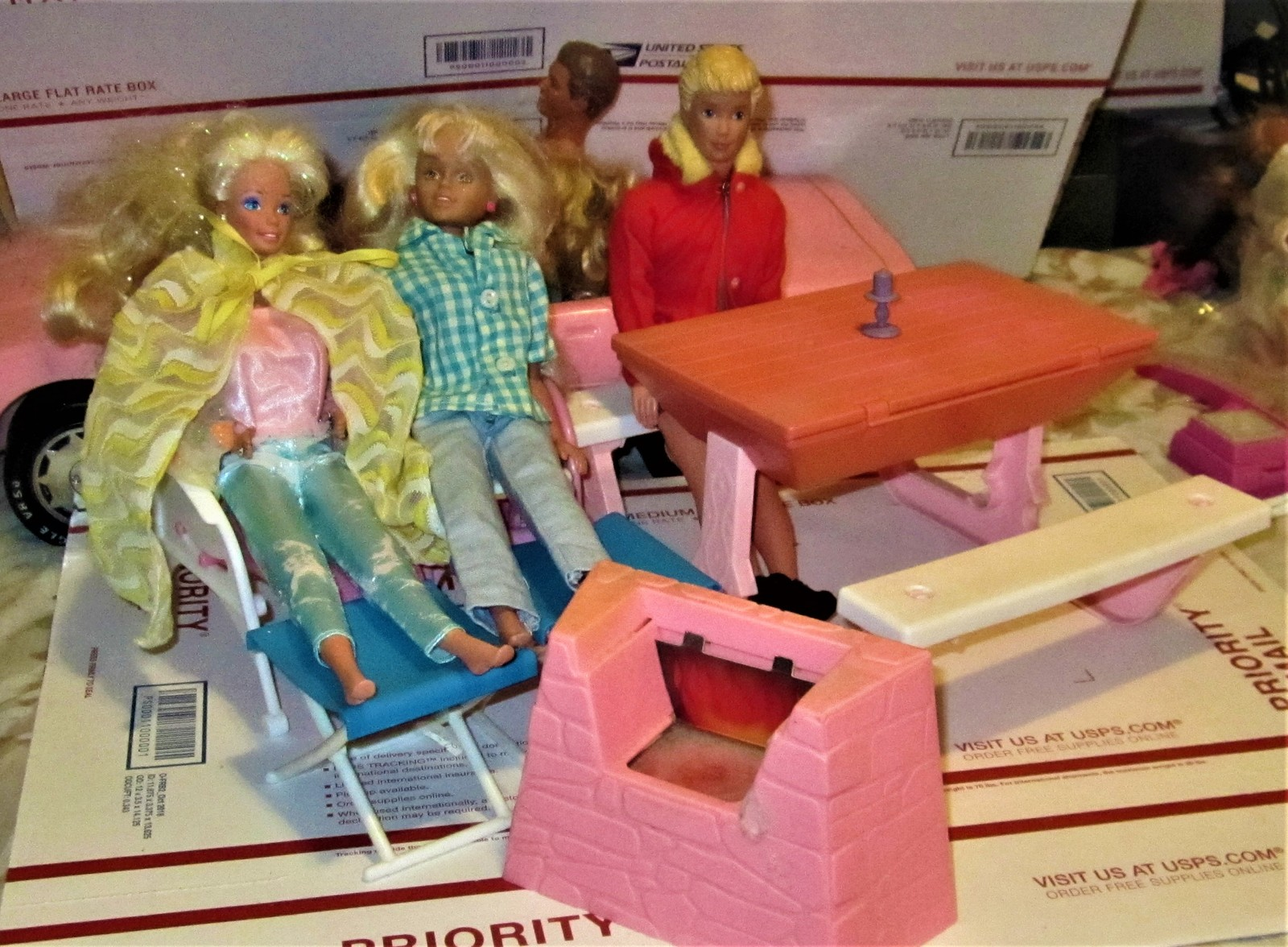 Primary image for Doll Furniture  - Barbie Dolls - Barbie with Two Friends and outdoor Patio set